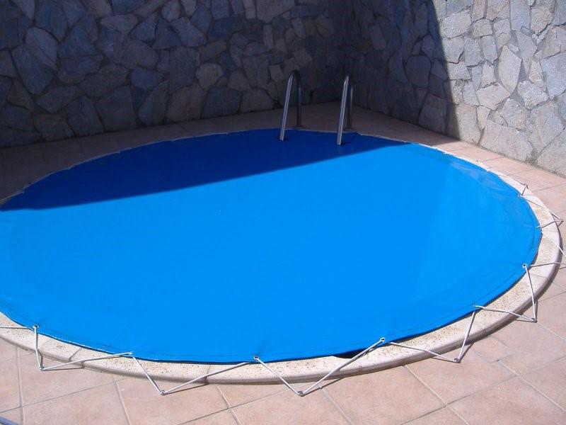 Ya no es temporada de piscina y ahora qu quilez for Mantenimiento piscina invierno